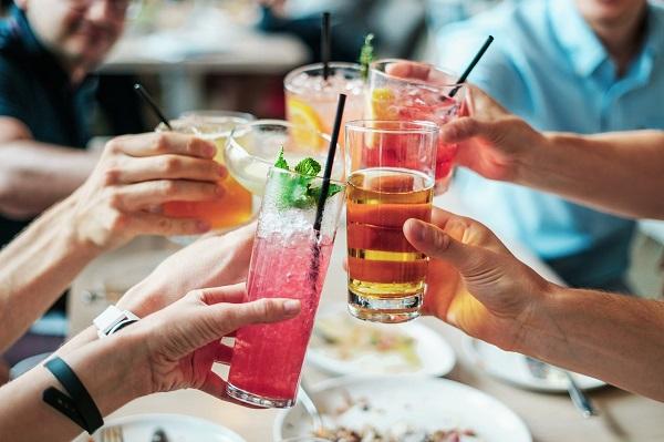 Summer Cocktails That Won't Blow the Calorie Budget